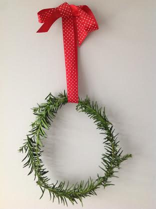 Christmas wreath easy DIY tutorial