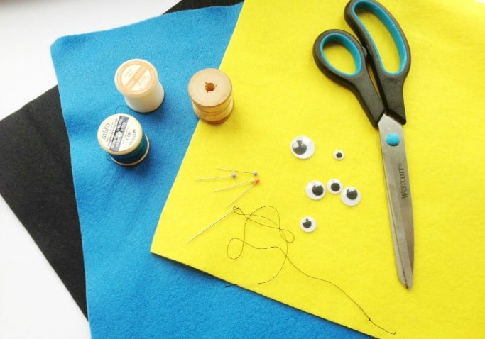 making minion finger puppets for kids