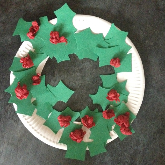 holly paper plate christmas wreath
