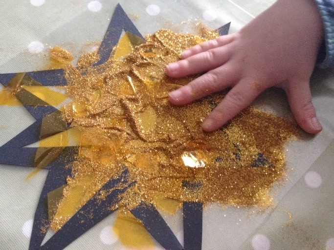 making a christmas star craft for preschoolers