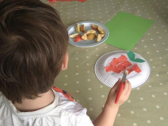 making paper plate apples
