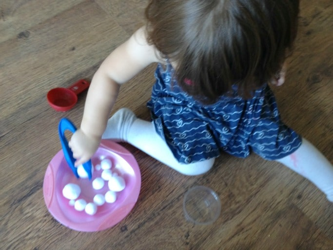 pom pom activity for toddlers