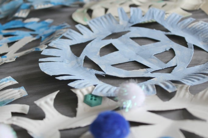 paper plate snowflake craft for kids