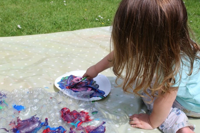 painting bubble wrap activity