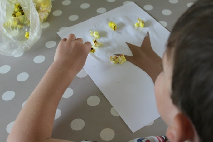 kids autumn tree craft with popcorn