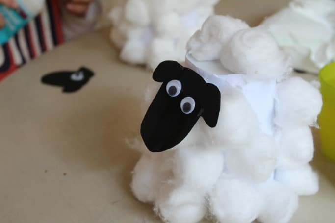 easy sheep craft for preschool