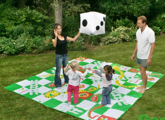 Garden-Games-Giant-Snakes-and-Ladders-Game