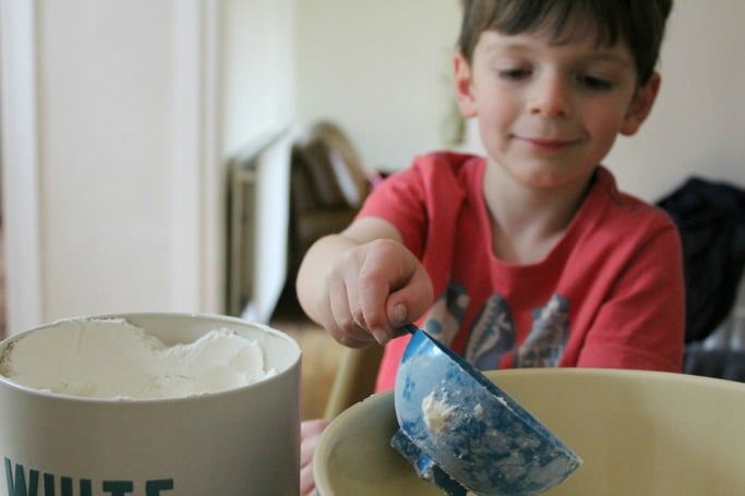 making salt dough keyrings