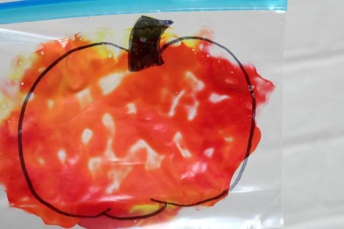 mess free pumpkin colour mixing preschool