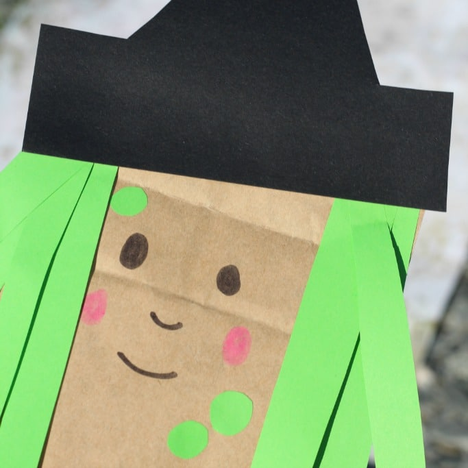 paper bag witch square
