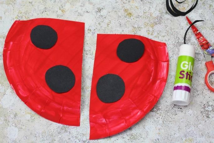 what the ladybird heard craft paper plate spots