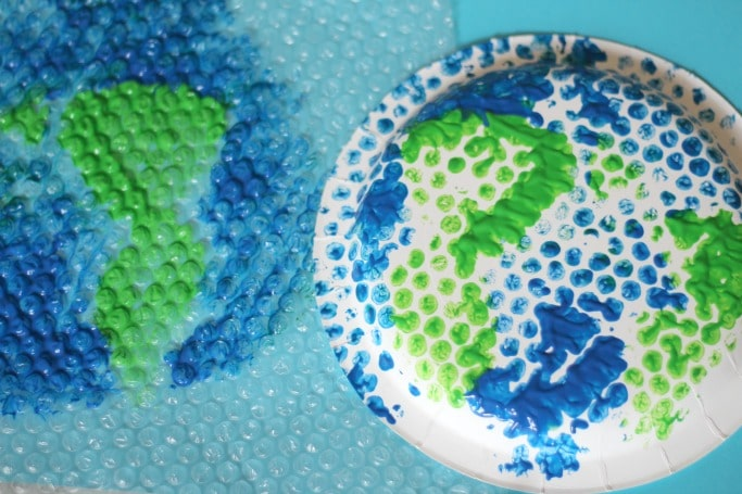 bubble wrap earth craft for kids