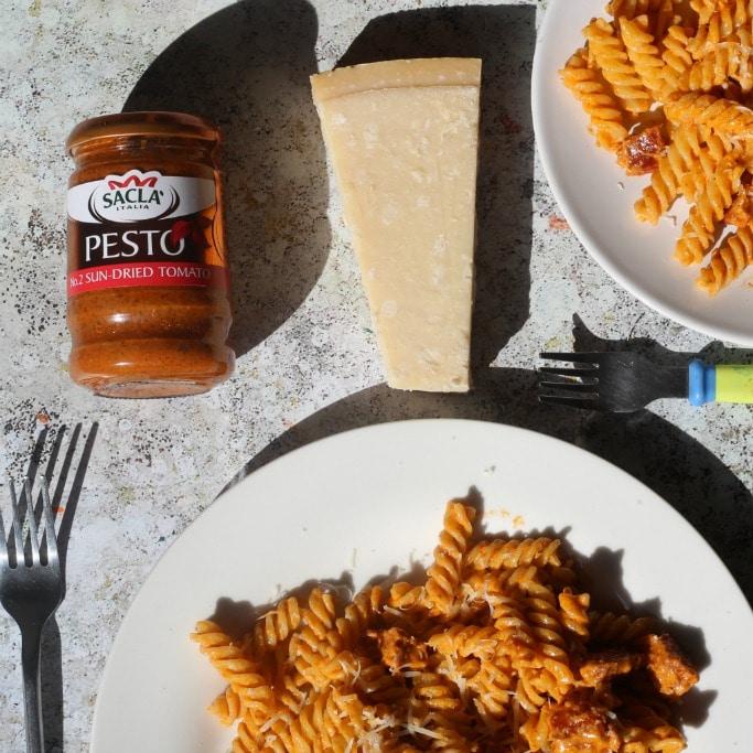 kid friendly pasta with tomato pesto