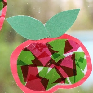 apple-suncatcher-craft-for-kids 300