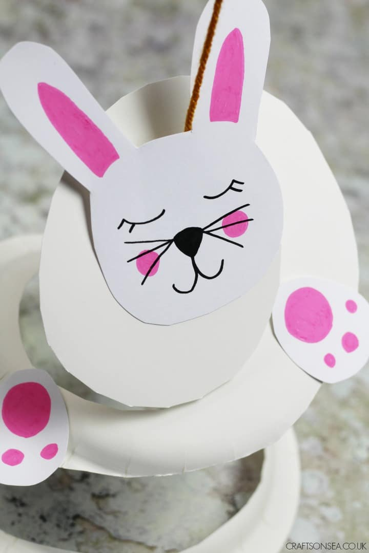 PAPER PLATE BUNNY CRAFT TWIRLER