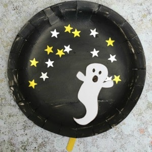paper plate craft with a movable ghost