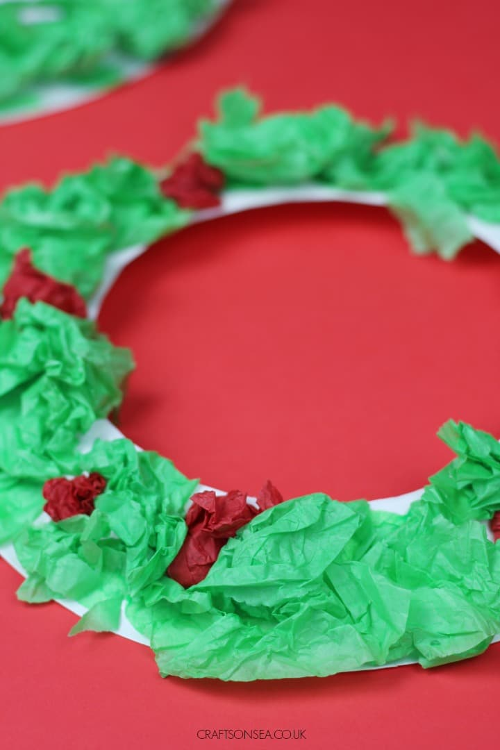 paper plate wreath craft for toddlers