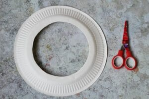 how to make a wreath out of a paper plate