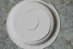 how do you make a spiral snake out of a paper plate
