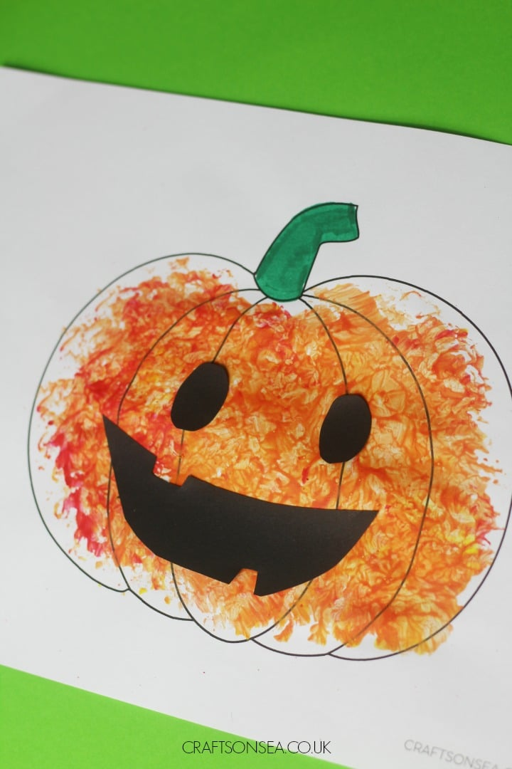 FOIL PAINTED PUMPKIN CRAFT FOR KIDS EASY