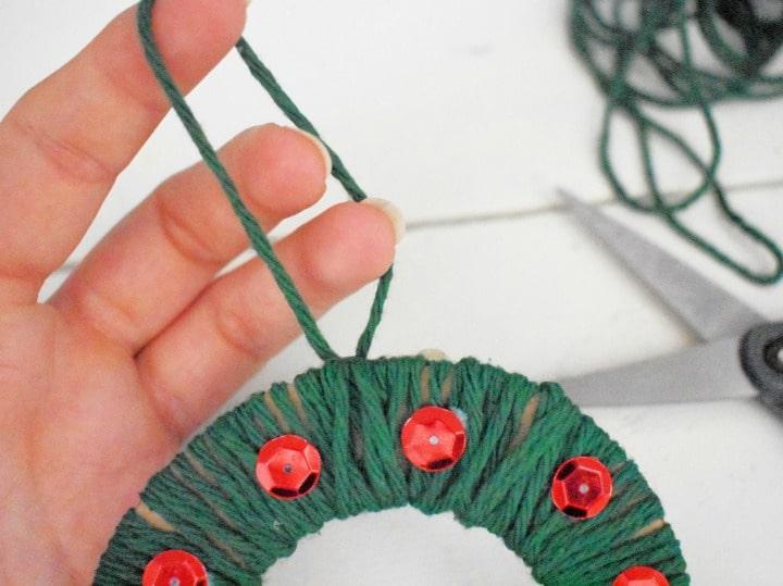 cardboard yarn wrapped wreath loop tie