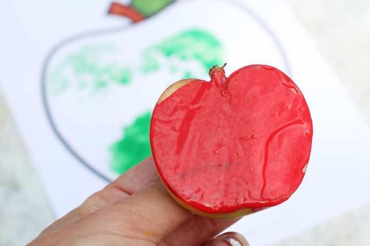 apple painting craft for kids